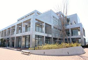 海老名市立中央図書館
