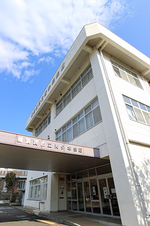 横須賀市役所こども育成部